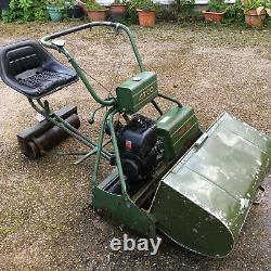 ATCO Royale b30 Self Propelled Sit on Lawn Mower