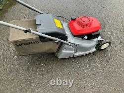 Honda HRB425c Self Propelled Rear Roller Lawnmower with grass bag