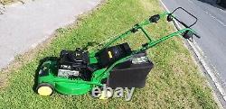 John Deere R52S Self Propelled Petrol Lawnmower