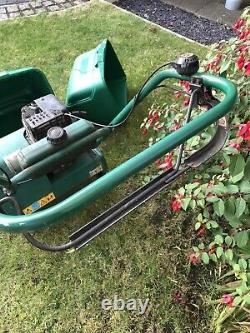 Qualcast Classic 35S Petrol Self Propelled mower With Spare Grass Box